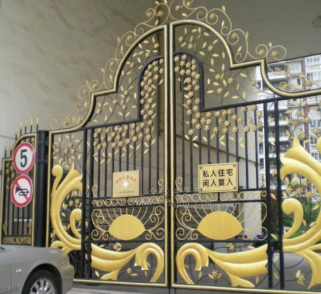 Which kind of gate you need to cover your lovely house for International decor main gates