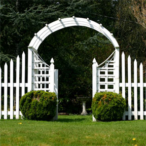 Wooden Gate with White Color Theme