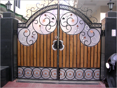 Beautiful Gate House Motif ...