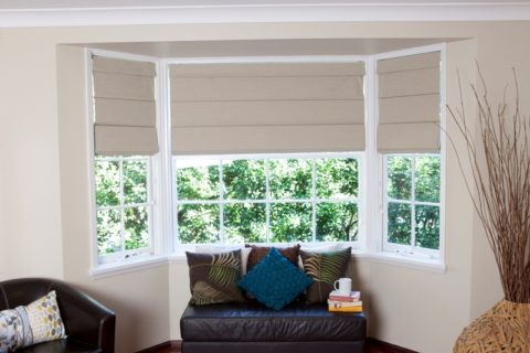 roman blinds with plastic material