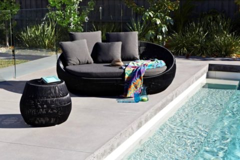 off black outdoor daybed