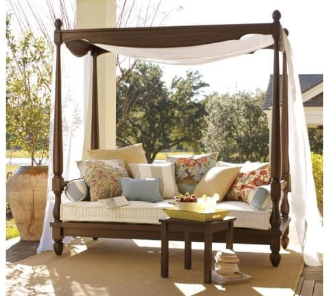 Outdoor daybed for beautiful garden