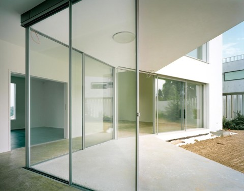 Glass Wall for Minimalist Home