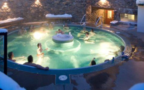 Hot tub with pool style