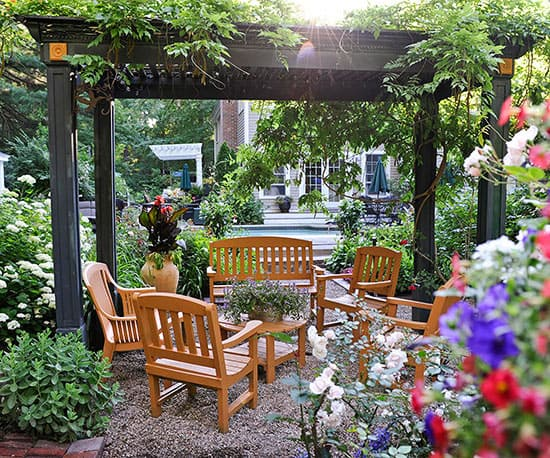 13 Garden Ideas To Refresh Your Home Atmosphere ... on Small Garden Sitting Area Ideas id=11258