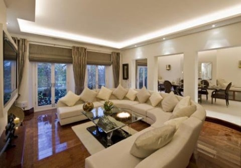 Apartment Living Room Ideas with wooden floor