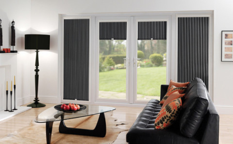 Window Blinds with strips motif