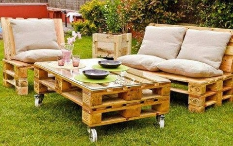 natural furniture made from pallets
