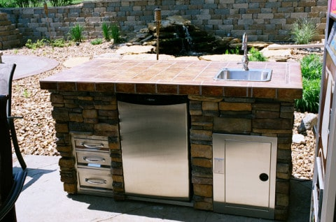 Outdoor bar cabinet