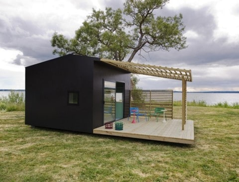 Compact House at wide area