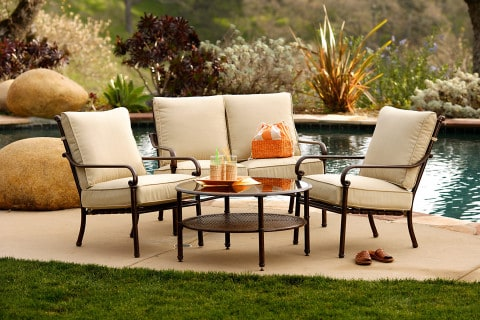 outdoor furniture for dining time