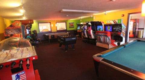 game room with complete option