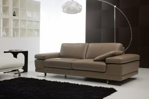 italian-leather-sofas-in-coffee-brown-color