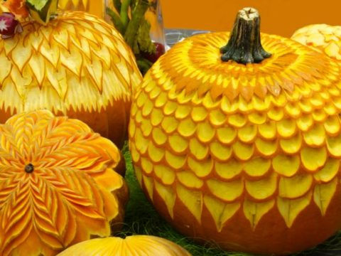 Pumpkin carving in flower pattern