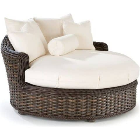 Cuddle chair with rattan frame