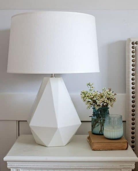 Pure white table lamp