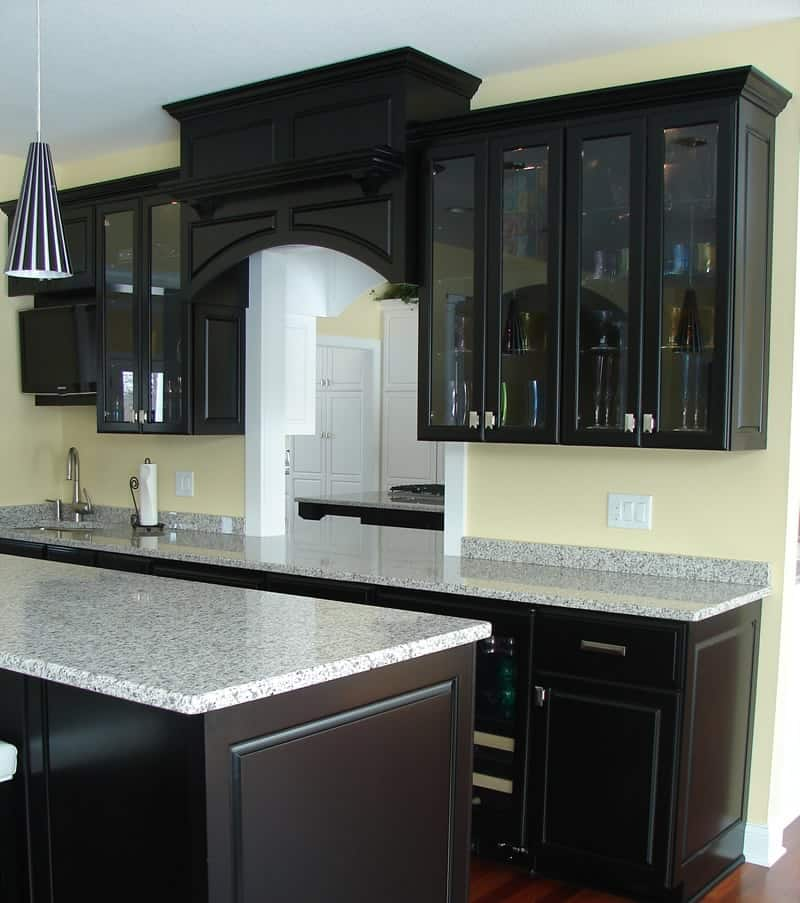Black Cabinetry For Elegant Kitchen Look