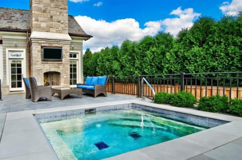 Small sitting pool for small home