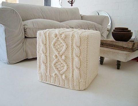 Knitted furniture for footrest