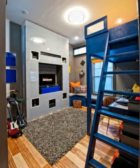 Teen boys room with small rugs