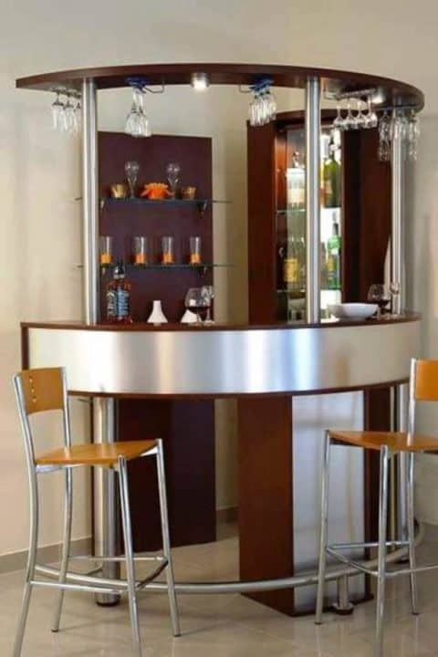 Kitchen with a mini bar