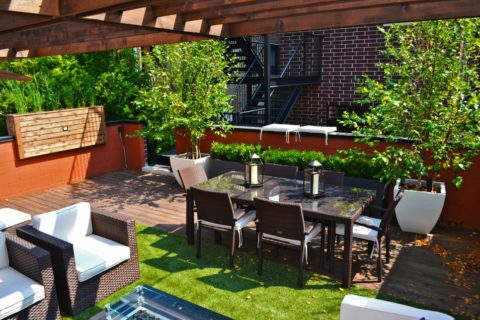 Rooftop deck ideas eith rattan furniture