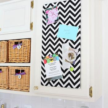 Black and white pinboard ideas